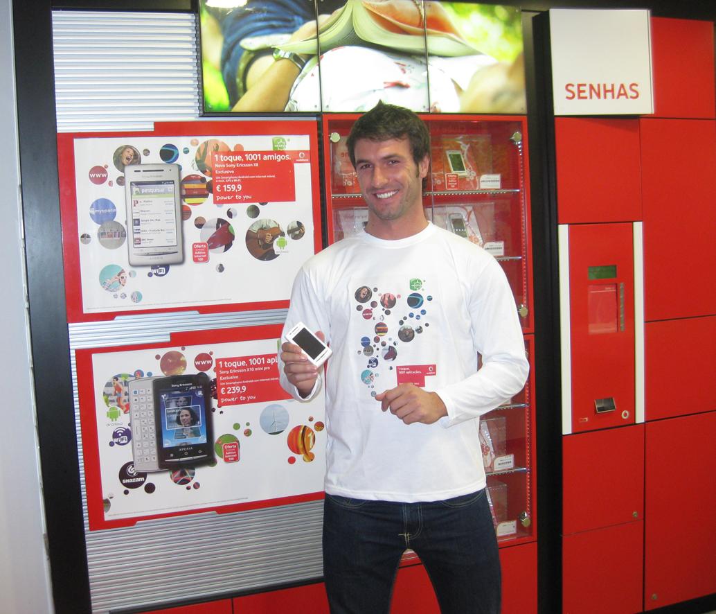 Divulgacao-SonyEricsson-X8-Lojas-Vodafone