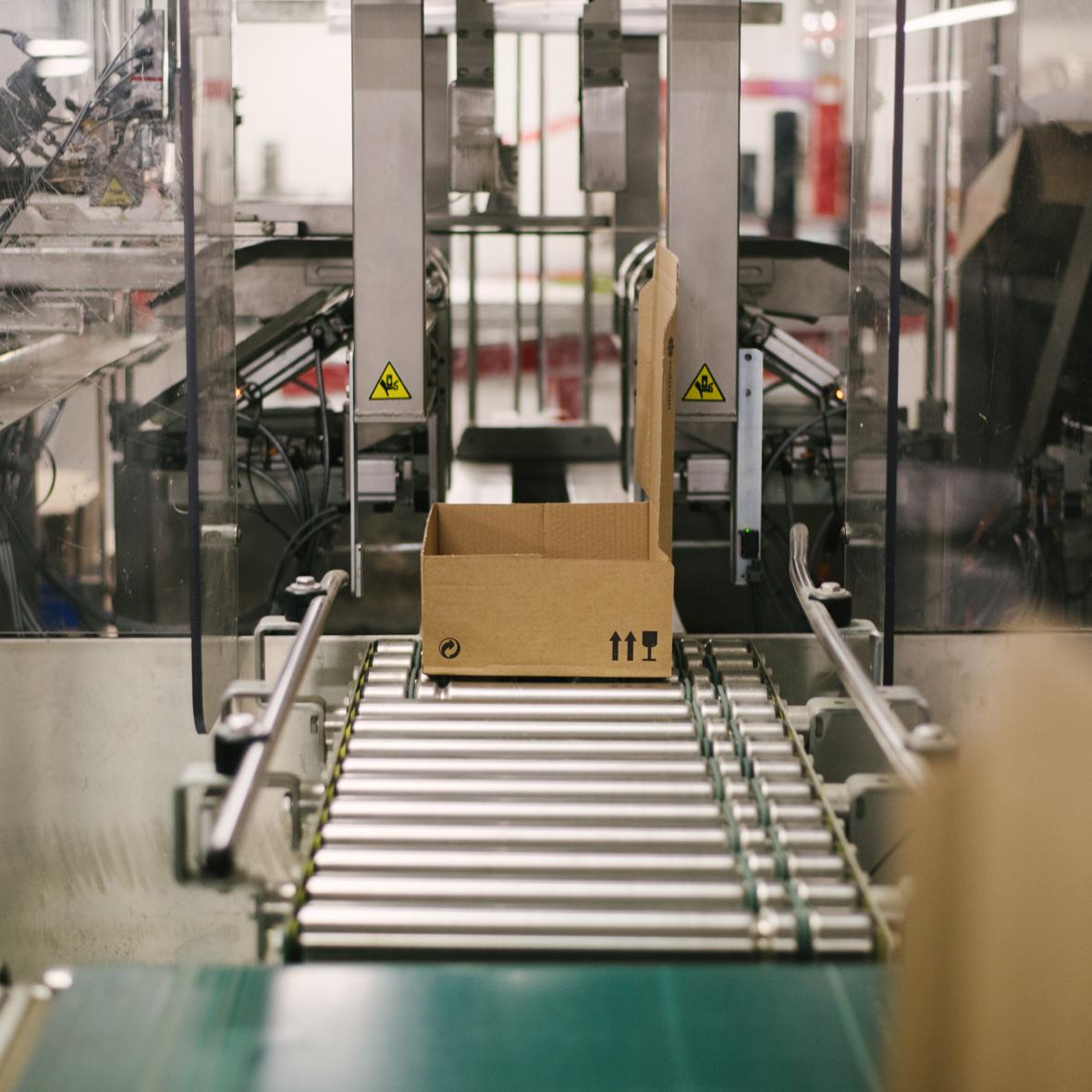 Maquina-de-formar-caixas